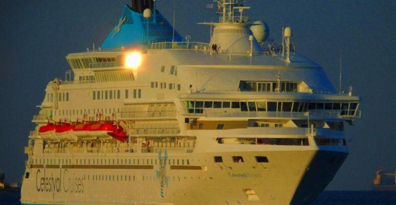 το Celestyal Crystal για δεξαμενισμό στη Σύρο, Αρχιπέλαγος, Ναυτιλιακή πύλη ενημέρωσης