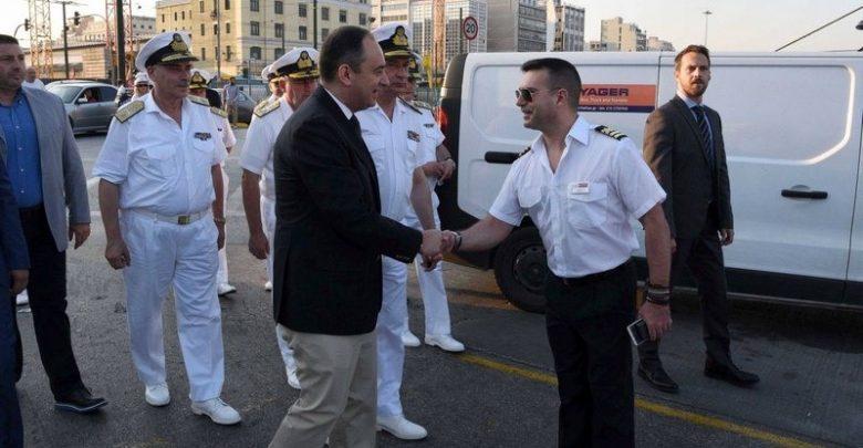 Photo of Επίσκεψη του Υπουργού Ναυτιλίας και Νησιωτικής Πολιτικής Ιωάννη Πλακιωτάκη στο κεντρικό λιμάνι του Πειραιά
