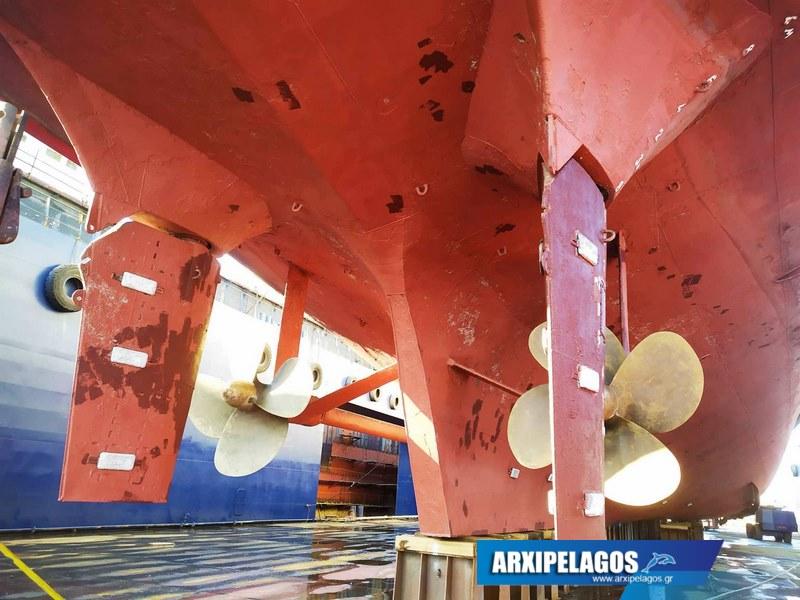 Εικόνες από το Πρωτεύς στα ναυπηγεία Σπανόπουλου (10)