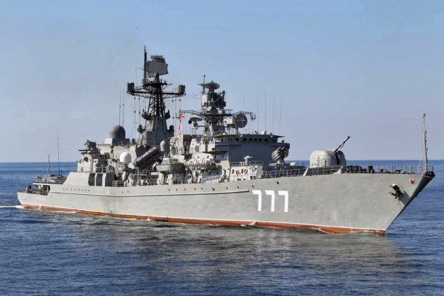 Σύγκρουση κρουαζιερόπλοιου με πλοίο του ΠΝ της Βενεζουέλας (3)