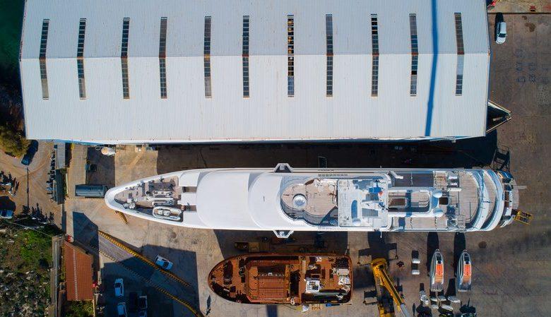 Photo of Πολυτελές γιοτ «O'MEGA» Mεταφορά στις εγκαταστάσεις του ναυπηγείου Σπανόπουλου (video)