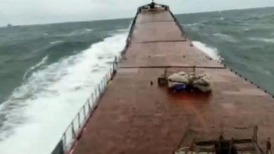 Photo of M/V Arvin Τελευταία δευτερόλεπτα πριν κοπεί το πλοίο (βίντεο)